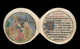 Miniature-round-book-picture-3